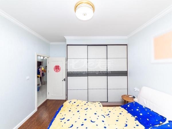 性价比超高的小三房,刘海粟小学。精装修采光无遮挡。