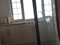 和平国际商业街一室一厅。装修好,民用水电气,交通方便,低价出租1350月/元。