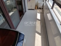 红梅新村四楼52平米55.8万南北通透一个大房间带大阳台满两年