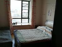 新出 地铁口 天安花园 中装 3室2厅2卫 137平 239万 周边配套齐全 诚