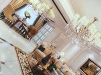 豪装 九洲花园 一期别墅 配2个产权车位。
