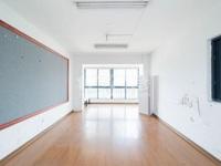 爱特大厦,2室2厅,双阳台,空间大,紧邻万达广场,房东诚心急售。