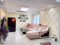 九洲公馆精装三房,户型楼层采光佳,业主诚心出售看房方便
