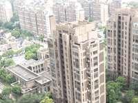 绿地世纪城自家住房 两房精装 两房加客厅均朝南 楼层佳 户型好